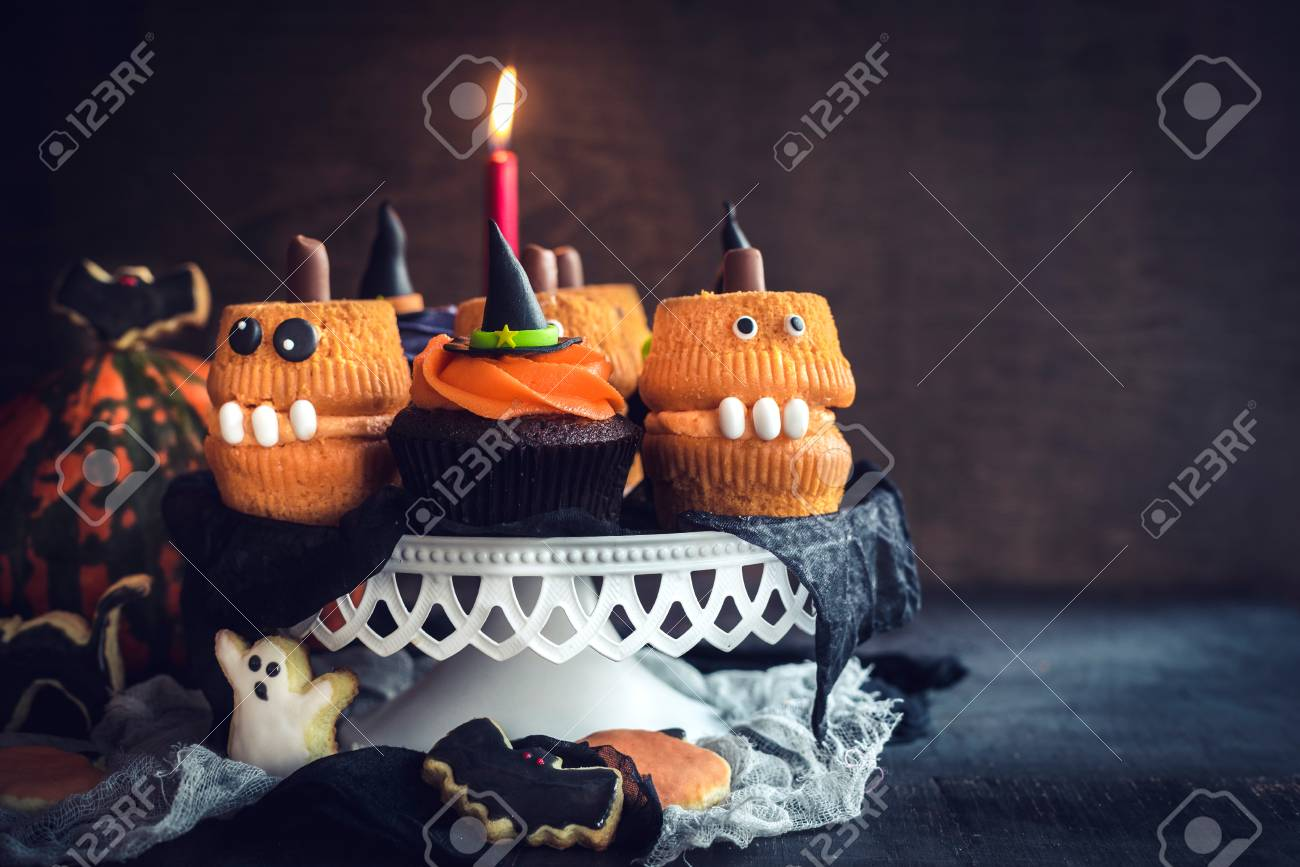 Peachy Scary Halloween Cup Cakes Served On The Table With Blank Space Personalised Birthday Cards Epsylily Jamesorg