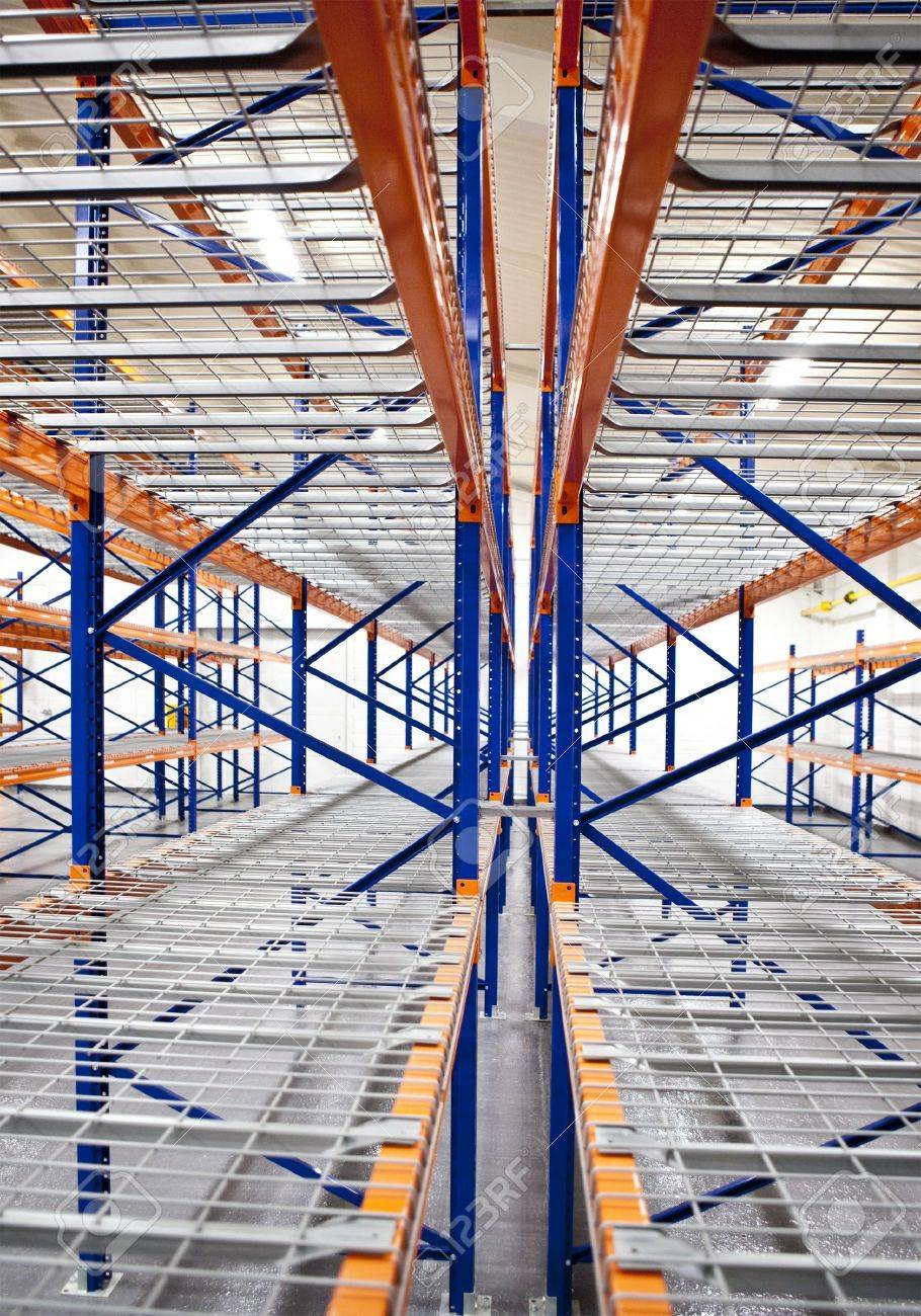 empty warehouse racks Stock Photo - 5956859