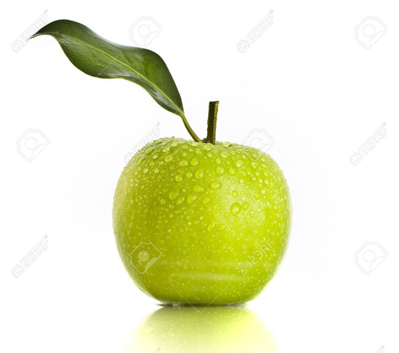 Fresh Green Apple on white background Stock Photo - 6331287