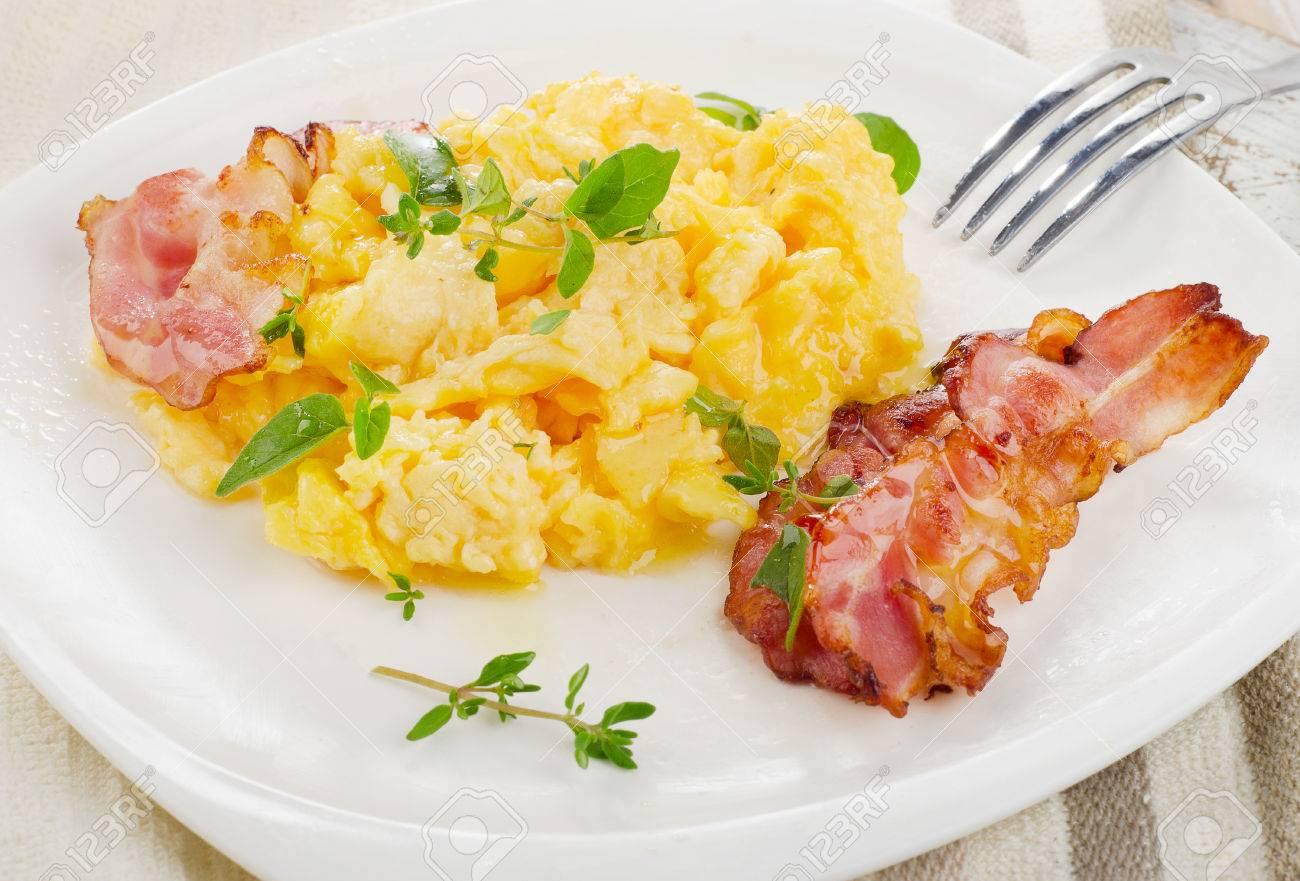 Výsledek obrázku pro míchaná vajíčka se slaninou