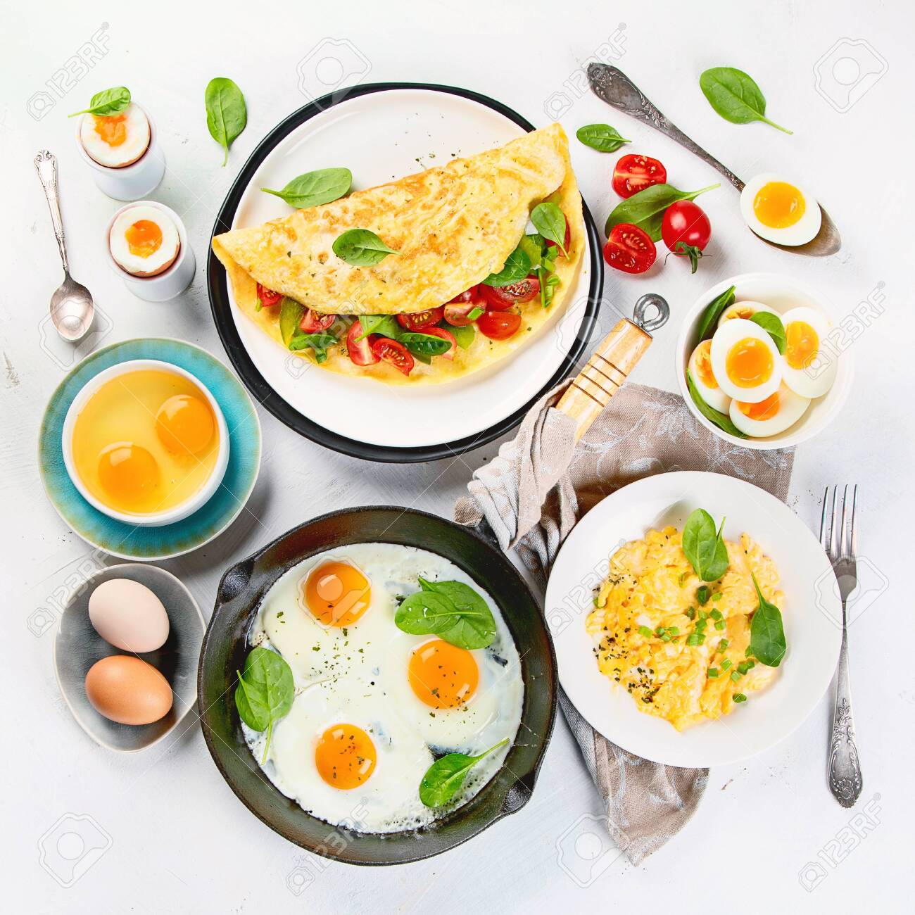 Cooked egg dishes for breakfast. Tradidional Ways to Cook an Egg. - 137893052