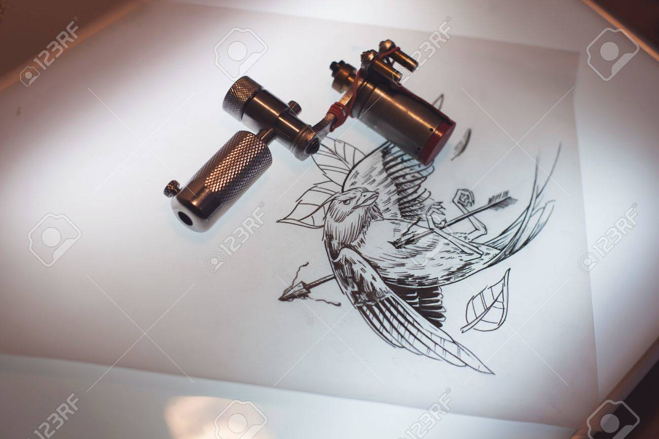 Tattoo equipment and scetch was prepared for making tattoo in salon tattoo equipment and scetch was prepared for making tattoo in salon foto de archivo 67132048 solutioingenieria Choice Image