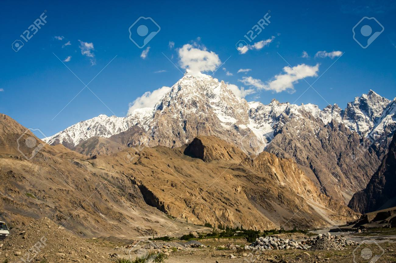 View of the karakoram mountain range in northern pakistan and view of the karakoram mountain range in northern pakistan and western china stock photo 77507626 sciox Gallery