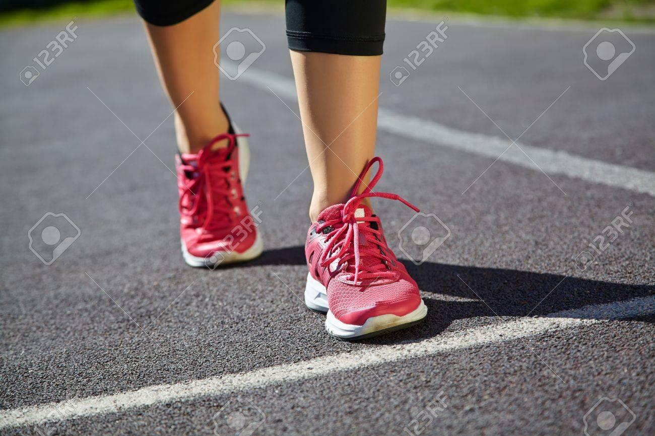 Jogging FocusRunner Running Selective CloseupAthlete On Feet 9Y2bDeEHWI