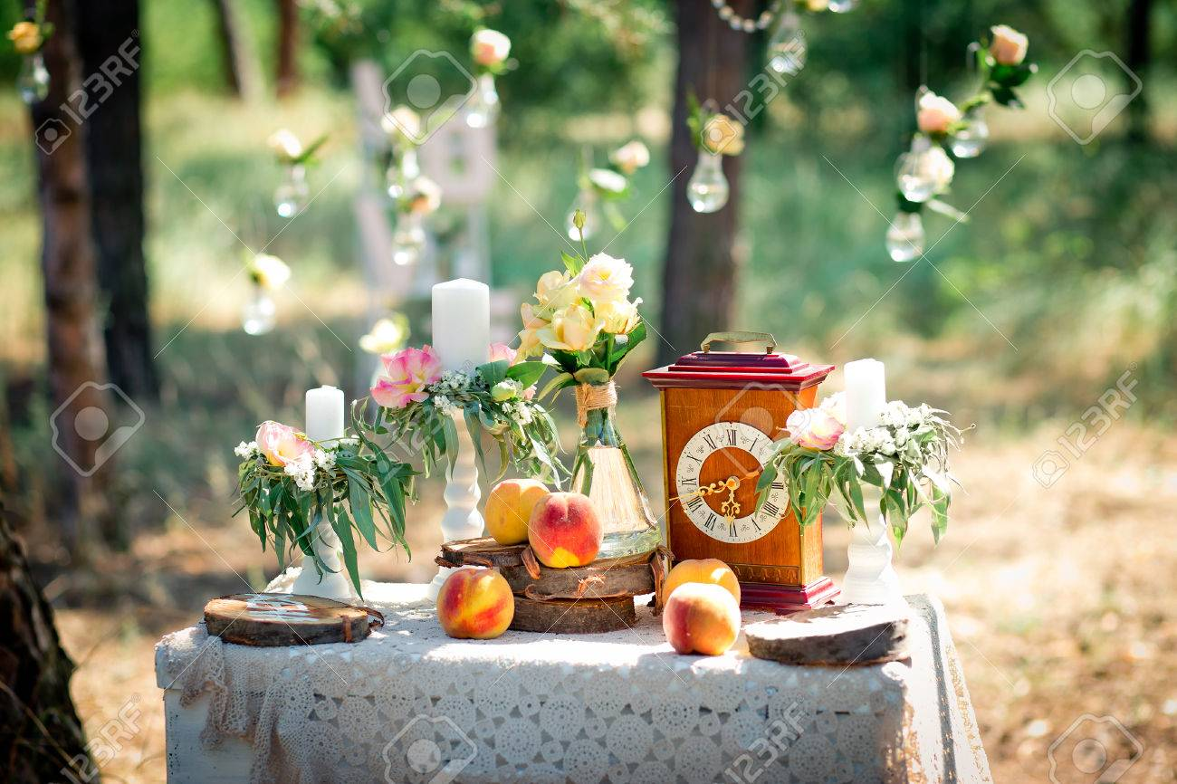 Hochzeit Dekor Fur Das Fotografieren Mit Den Stockuhr Blumen