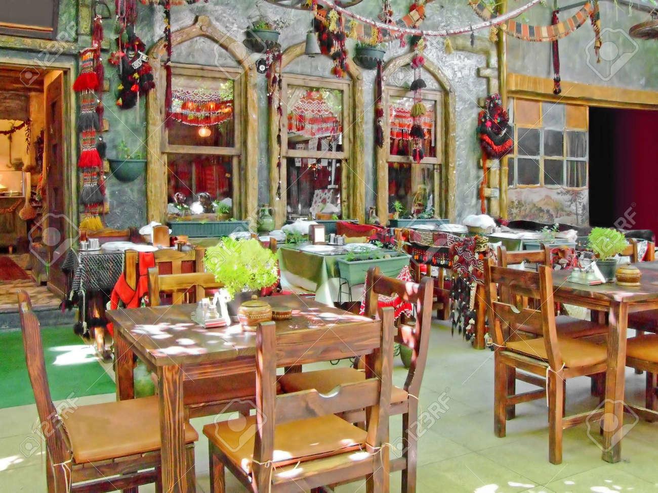 Vieux Décor De Style Traditionnel Turc Restaurant Terrasse Banque D ...