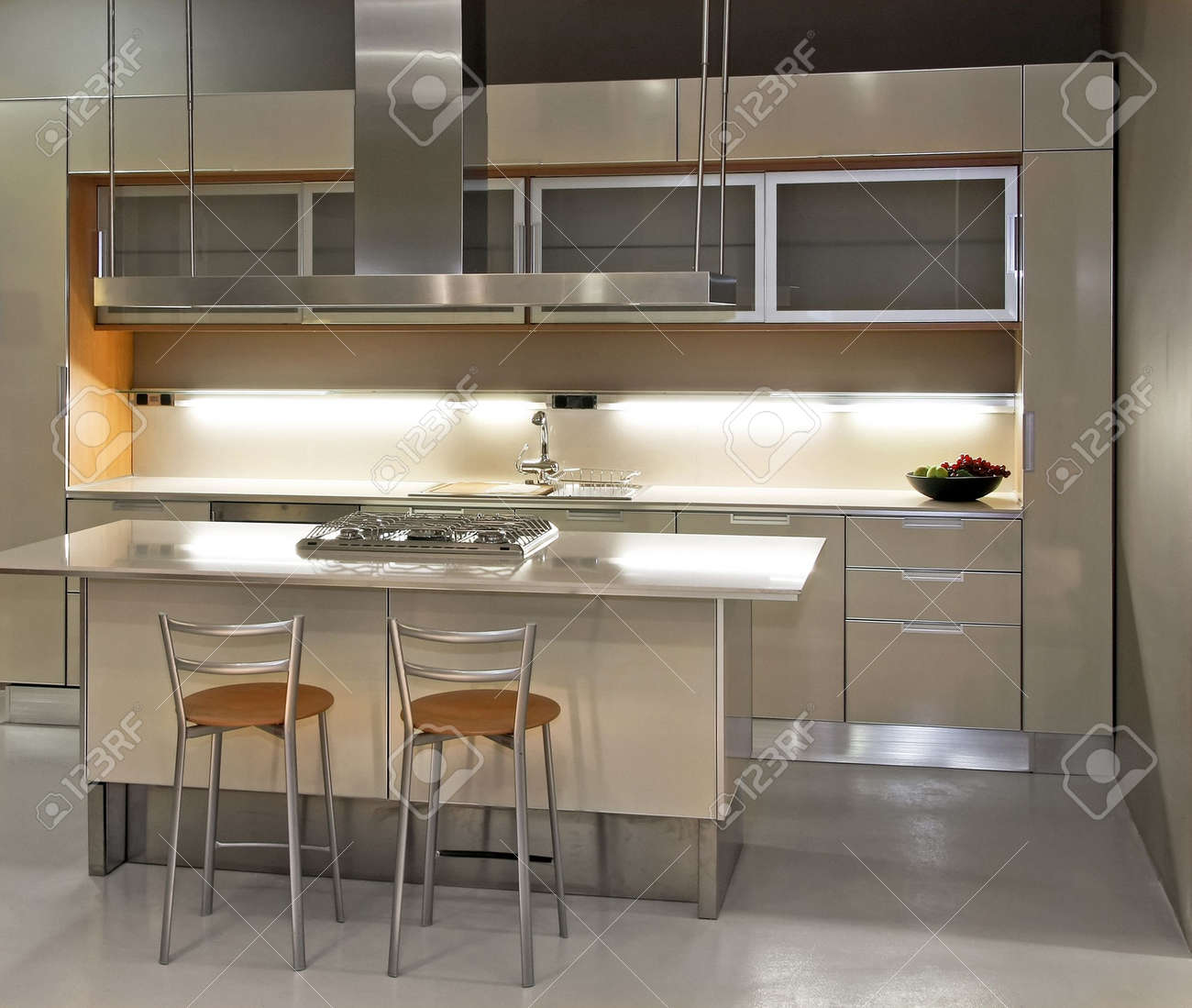 New light kitchen with counter and chairs Stock Photo - 2512697
