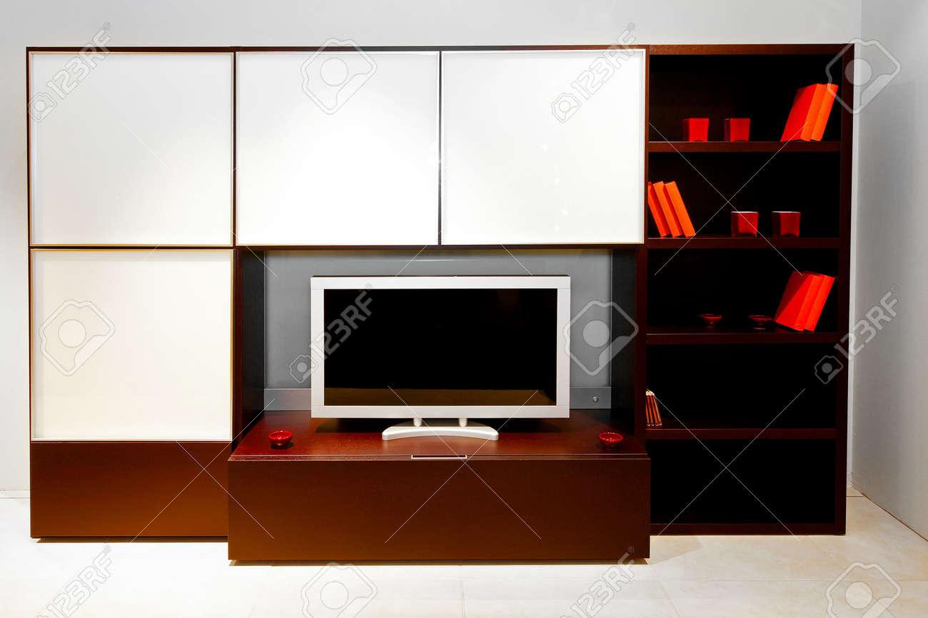 Moderno centro pezzo di soggiorno con uno spazio per la tv foto