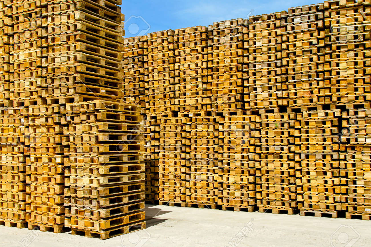 Wooden pallets for cargo and logistic at warehouse Stock Photo - 8520388