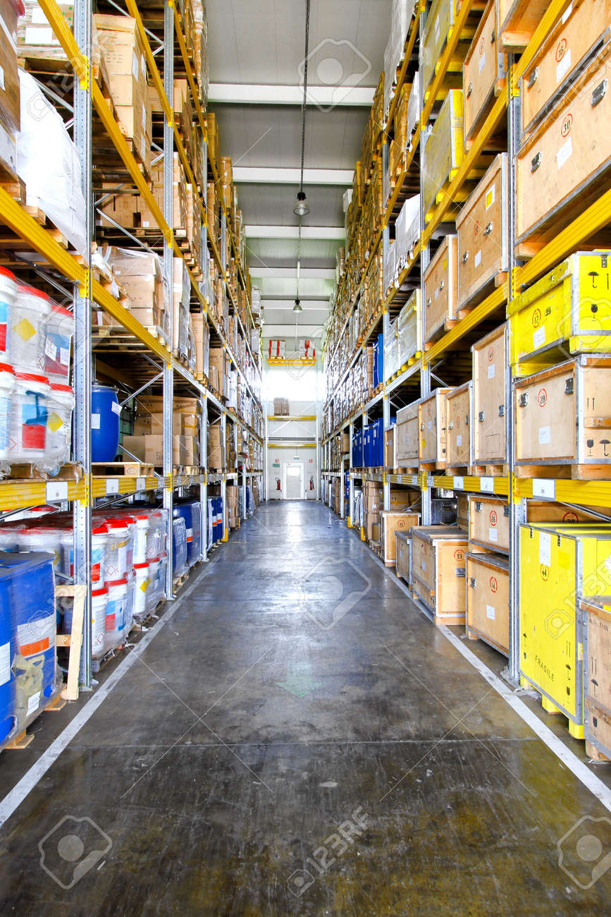 Corridor with big shelves in distribution warehouse Stock Photo - 8575172