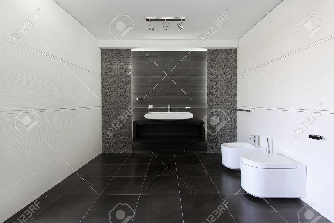 Intérieur Salle de bain contemporaine en gris et blanc