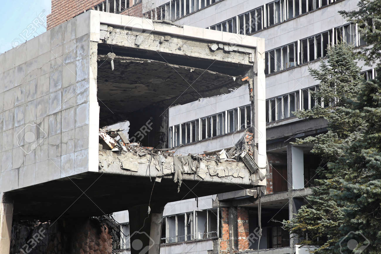Damaged building after big earthquake natural disaster Stock Photo - 17282587