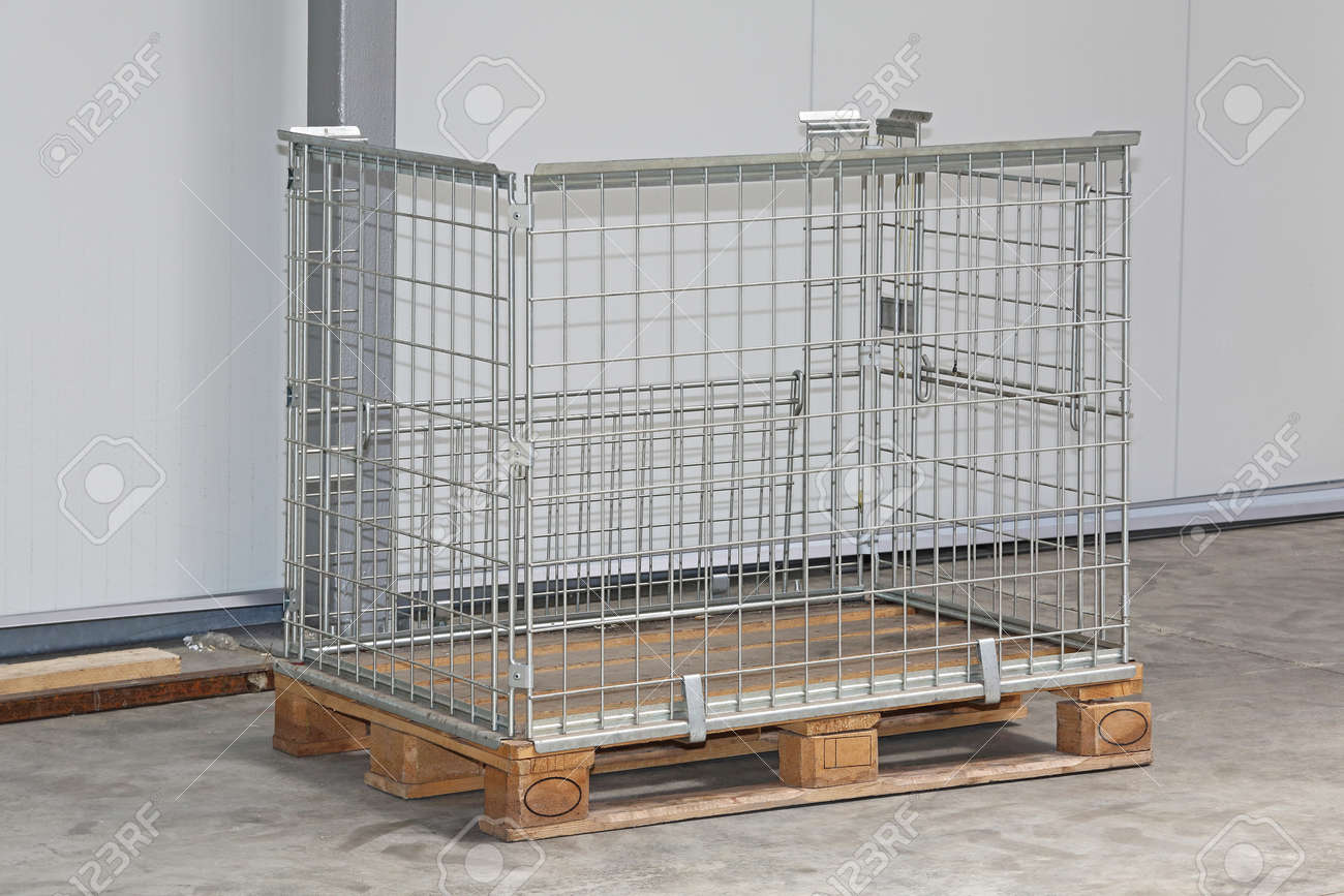 Wire Mesh Pallet Box In Warehouse Stock Photo, Picture And Royalty ...