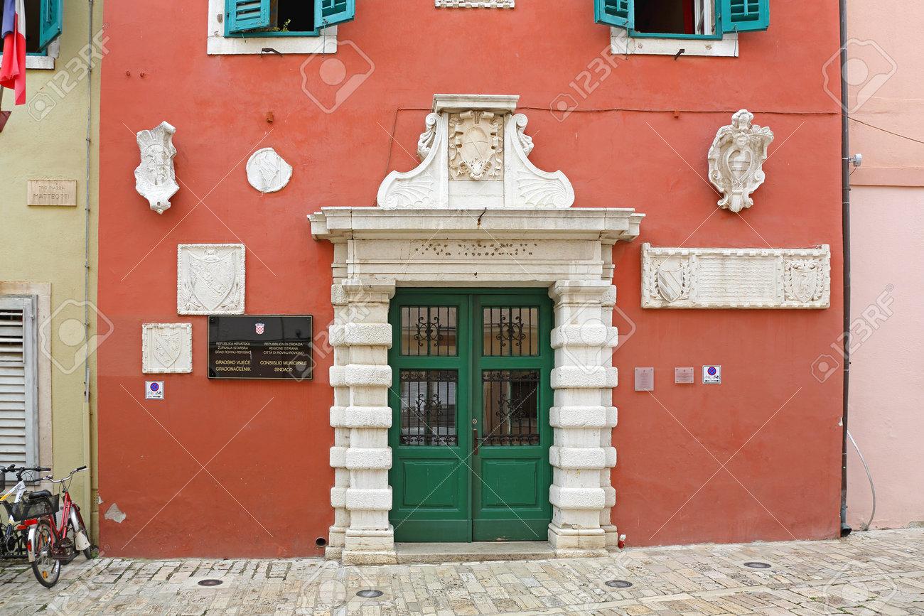Risultati immagini per Rovigno - Palazzo Comunale