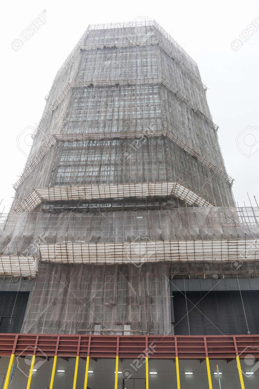 Bambus Gerust Am Wolkenkratzer In Hongkong Lizenzfreie Fotos Bilder