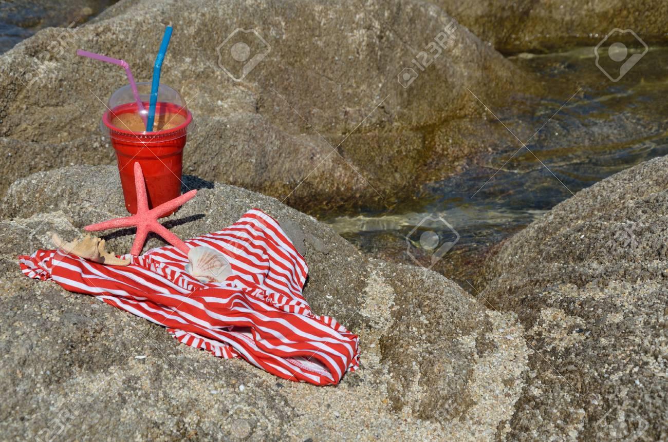 Costume Da Bagno Conchiglia : Caffè ghiacciato per andare costume da bagno stelle marine e