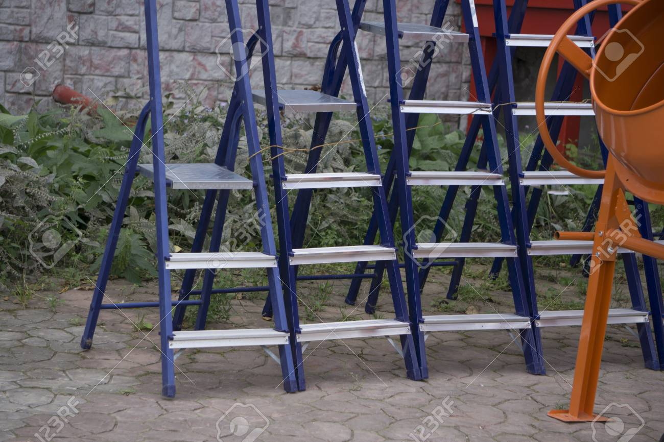 timeless design 57ab9 a909d Many new step ladder display on the tool store (shop)