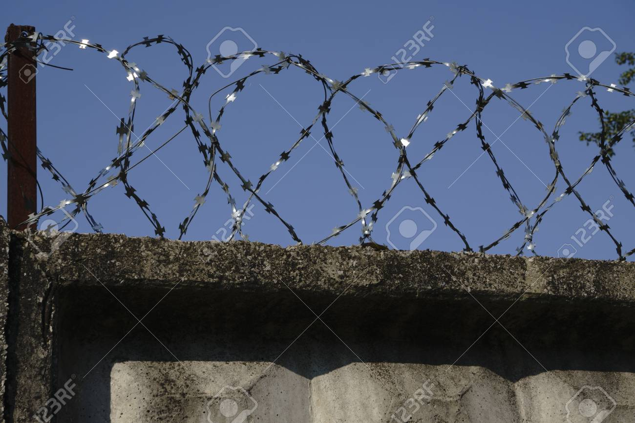Attached Barbed Wire - WIRE Center •