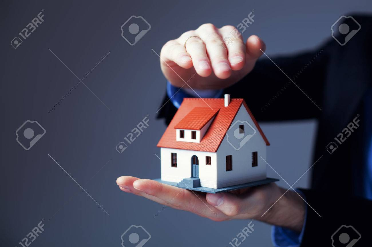 Home insurance concept. Standard-Bild - 53951713