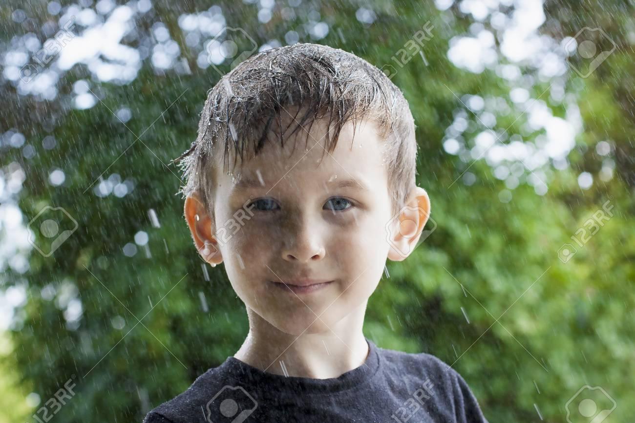 noir adolescent humide