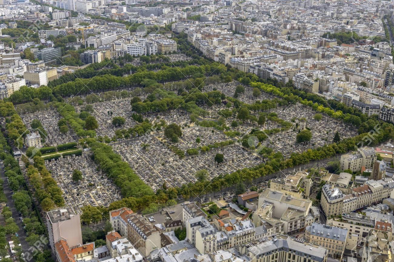 Delicieux Luftaufnahme Der Friedhof Père Lachaise Vom Montparnasse Turm In Paris,  Frankreich Genommen Standard