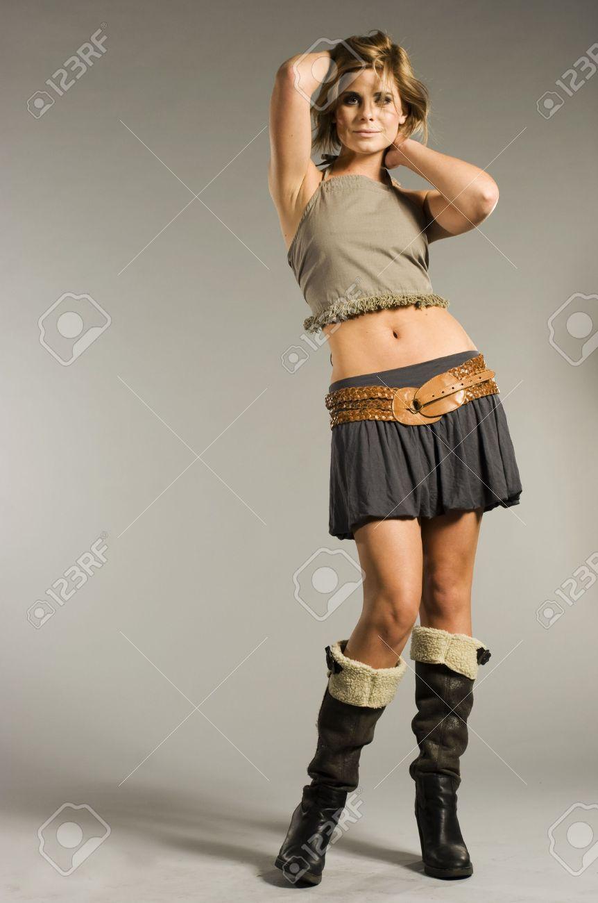 Девочка в юбке короткой фото 613-612