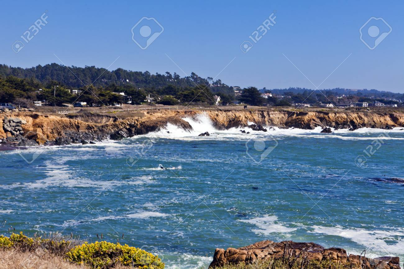 Waves pound the rugged shoreline along Moonstone Beach in Cambria, California. Stock Photo - 10628004