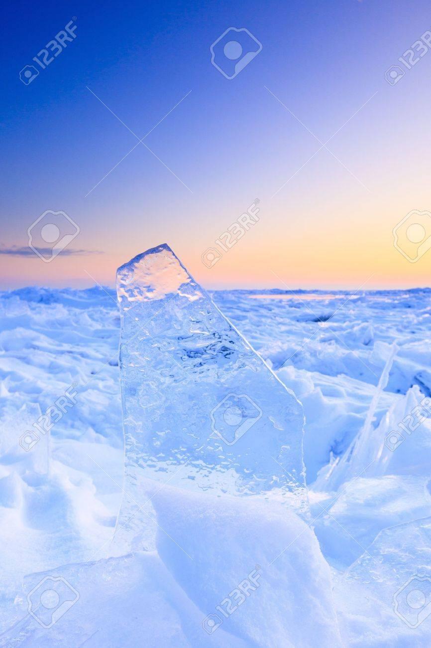 Shelf ice in winter with a beautiful sunset Standard-Bild - 13874944