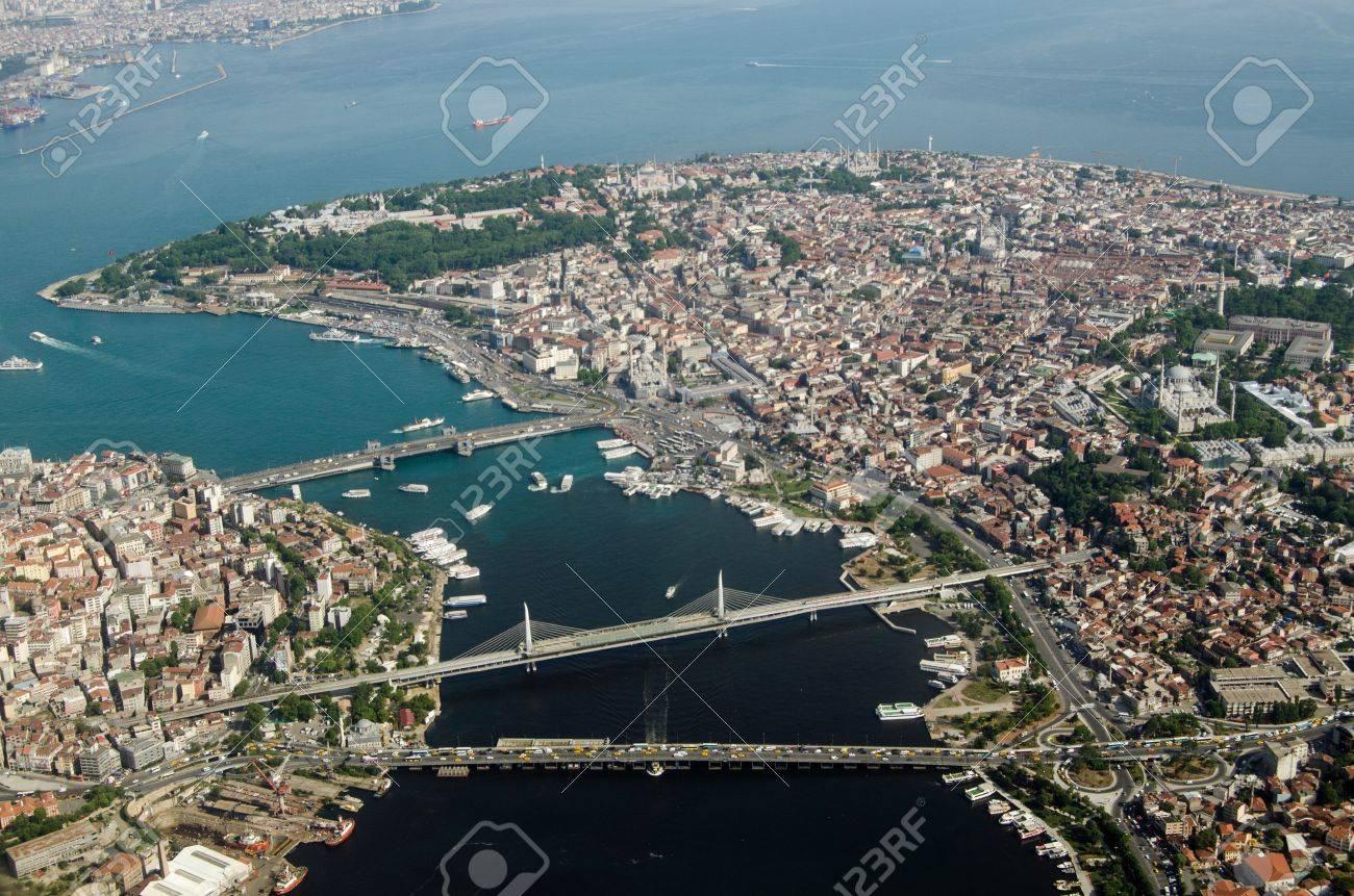 Vue Aérienne De La Corne D\'Or Et La Vieille Ville D\'Istanbul Avec ...