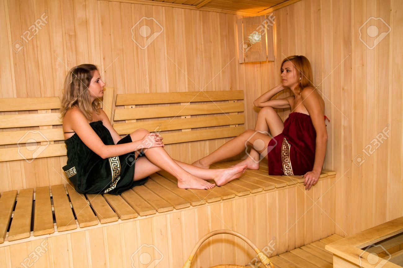 Фото у бане девушки