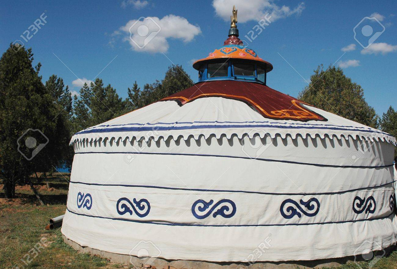 Scenery of a typical Mongolian ger on the grasslands Stock Photo - 8547423