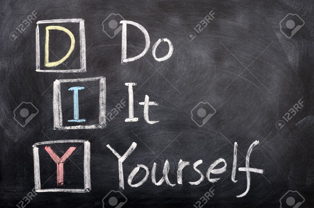 Acrnimo de bricolaje para el do it yourself escrito con tiza en una acrnimo de bricolaje para el do it yourself escrito con tiza en una pizarra foto de solutioingenieria Image collections