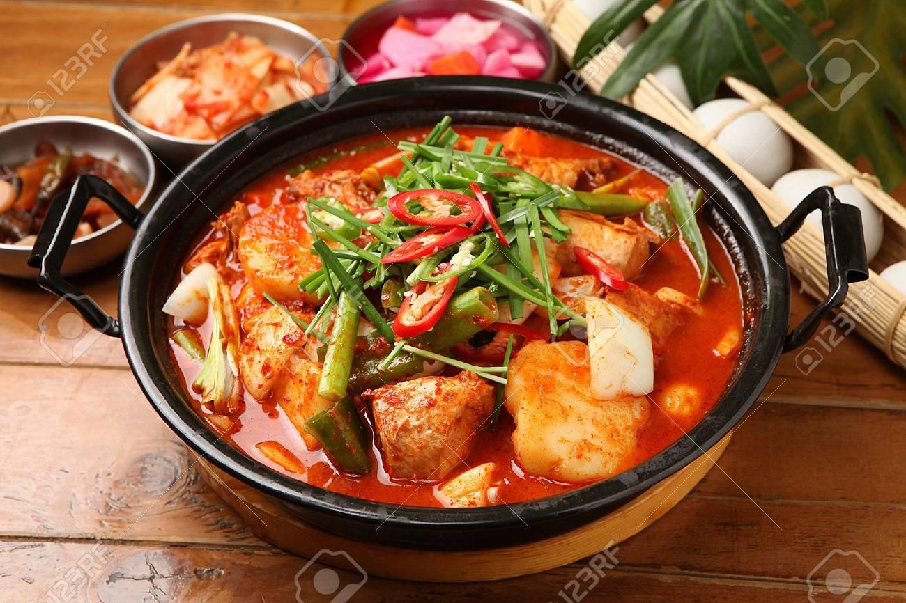Korean-style braised Spicy Chicken with Vegetables - 108029535