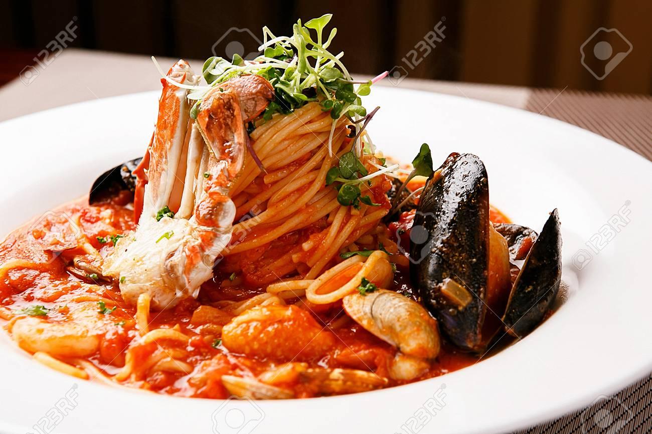 Pescatore tomato sauce pasta - 108193004