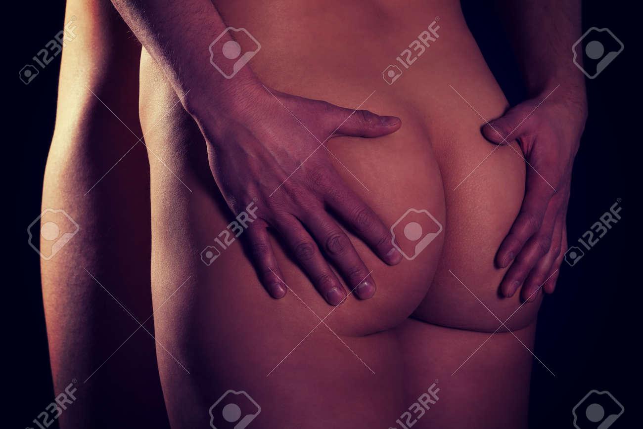 Geile frau masturbiert