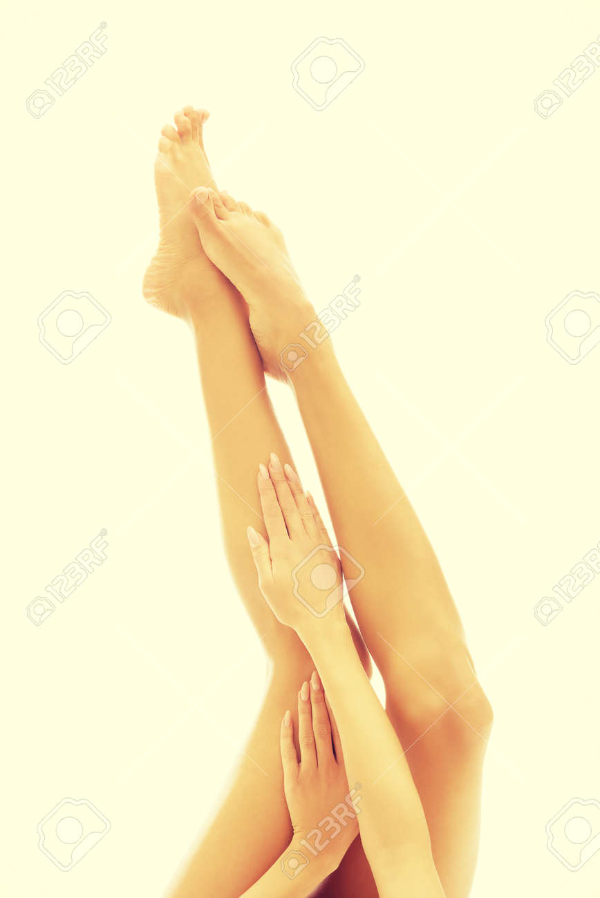 frau zu beruhren zehen nackt