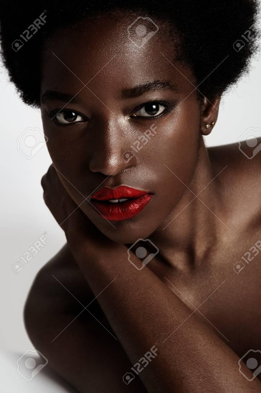 ideale schwarze Frau