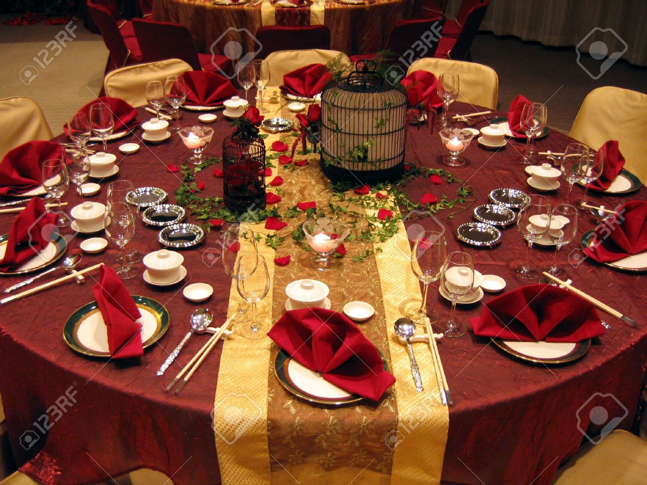 Chinese wedding banquet table setting Stock Photo - 586094 & Chinese Wedding Banquet Table Setting Stock Photo Picture And ...