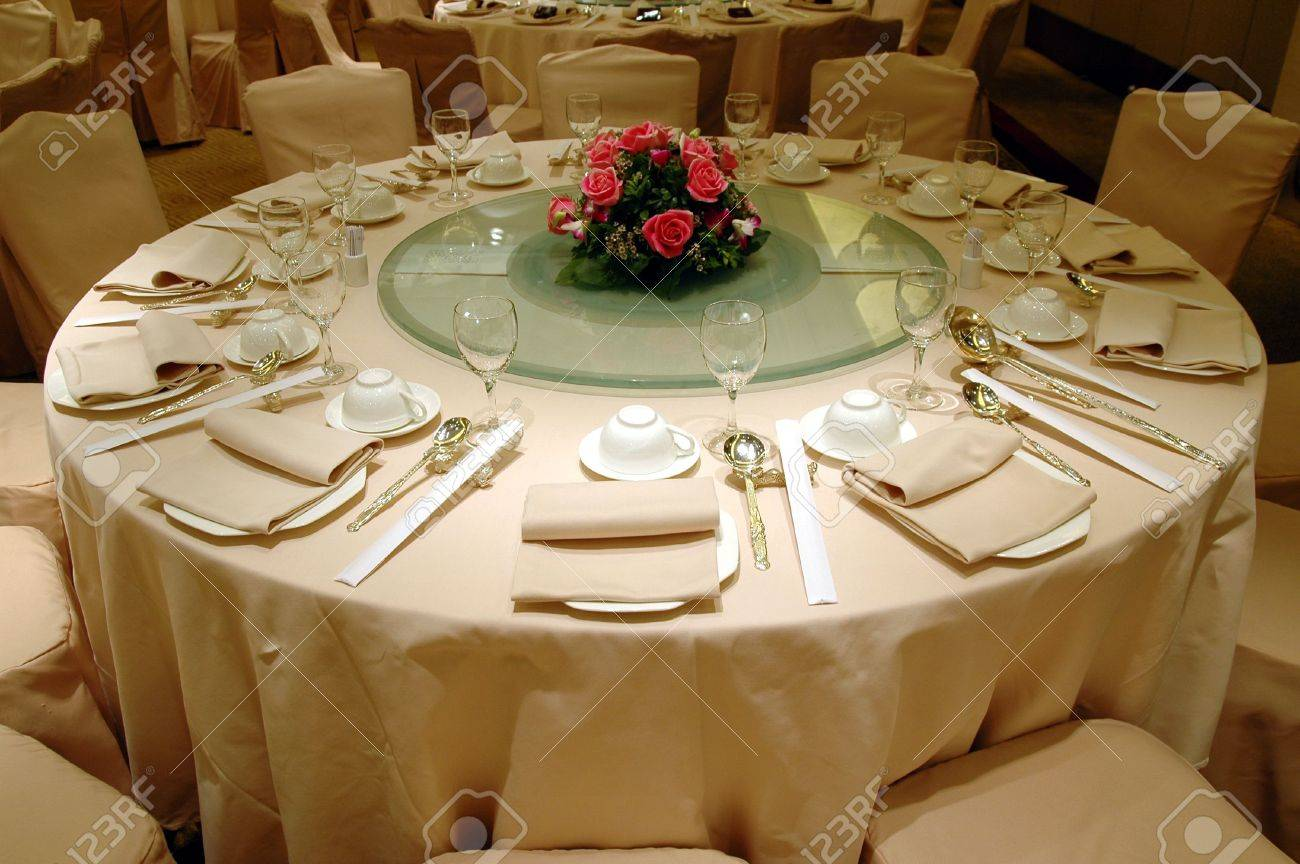 Chinese table setting - Chinese Wedding Banquet Table Setting Stock Photo 592269