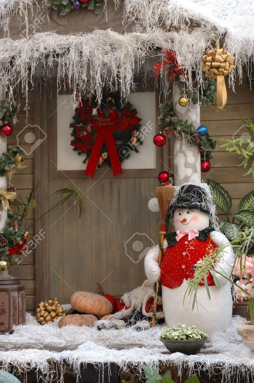 Haustur Weihnachten Dekoration Eines Holzhaus Lizenzfreie Fotos
