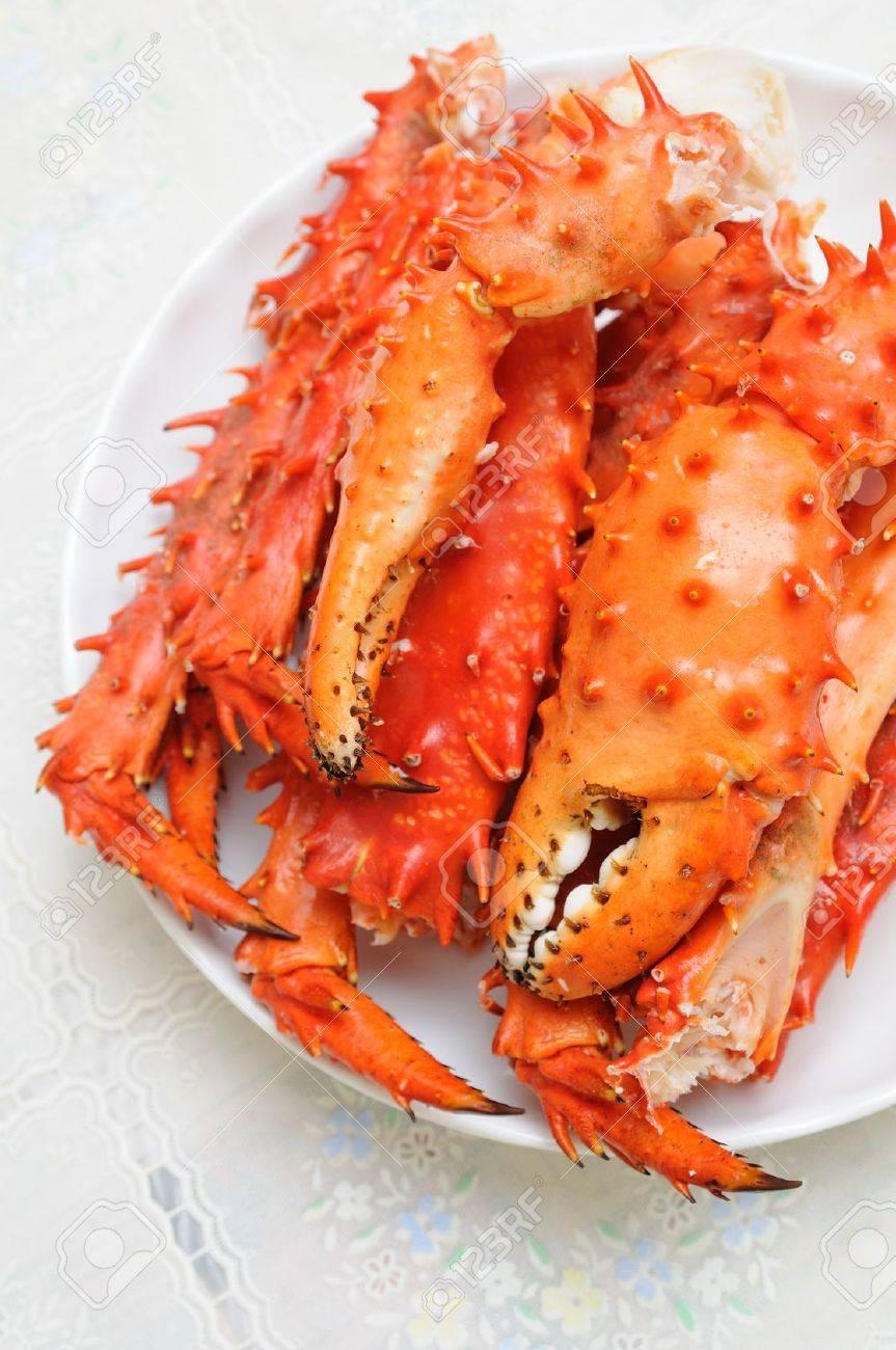 alaskan king crab legs images u0026 stock pictures royalty free