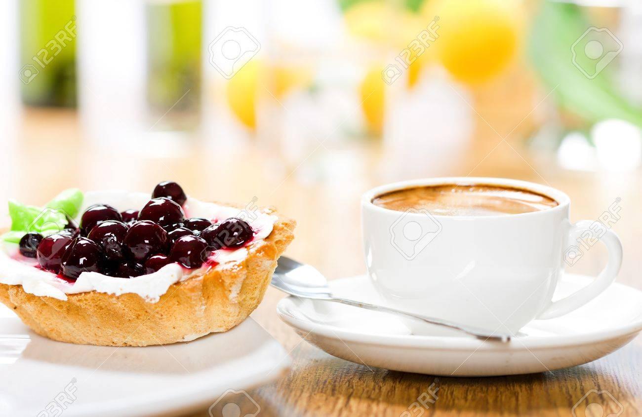 Dessert and coffee - 8573602
