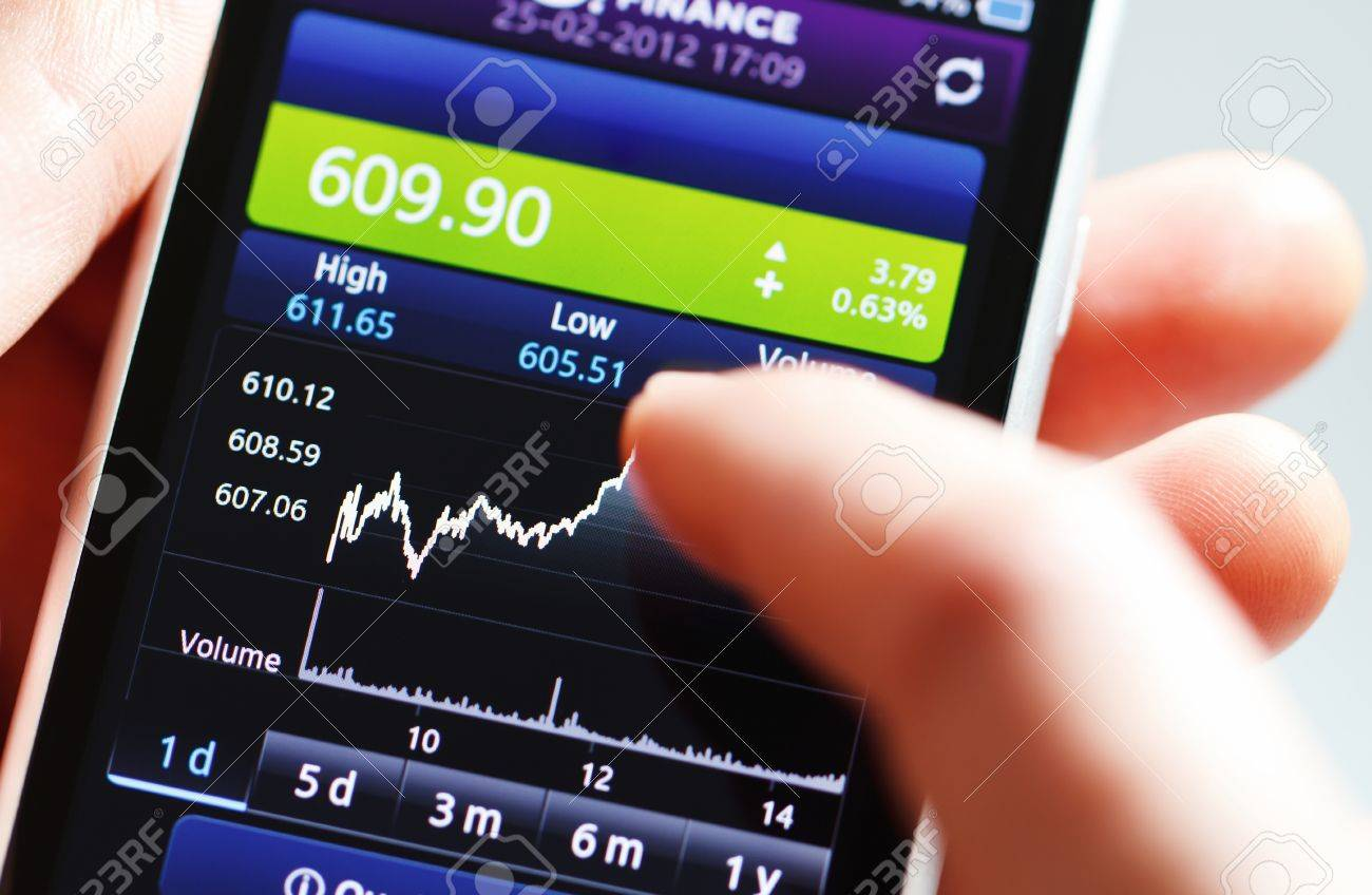 Stock diagram on the screen smartphone. - 12685961