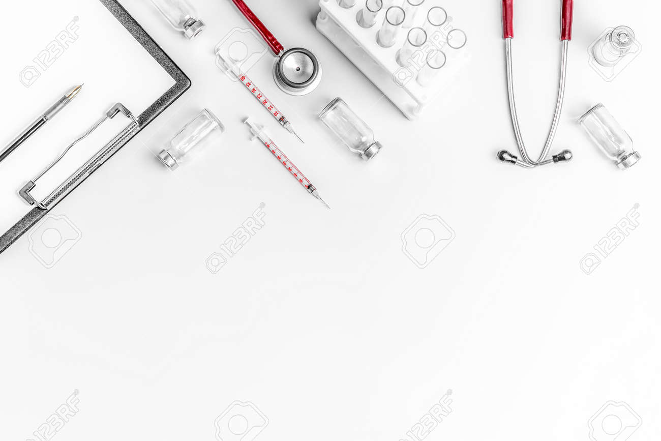 Flat lay photo of online medicine concept - 167391106