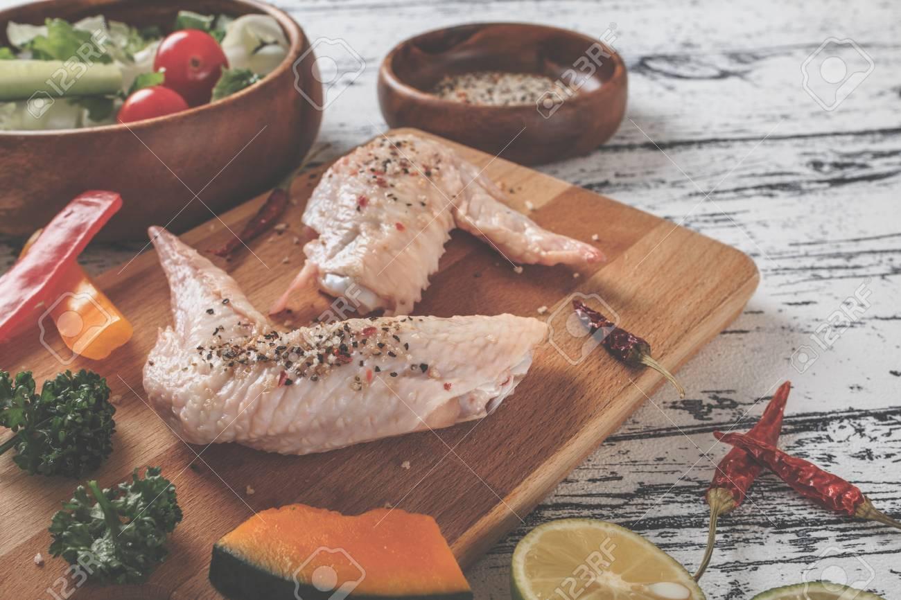 Huhn Küche Bild Lizenzfreie Fotos, Bilder Und Stock Fotografie ...