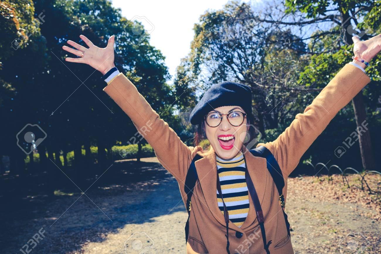 Japanese female traveler, natural background - 115154877