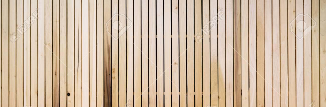 Lames En Bois Sur Le Plancher Ou Le Mur En Parallele Vertical