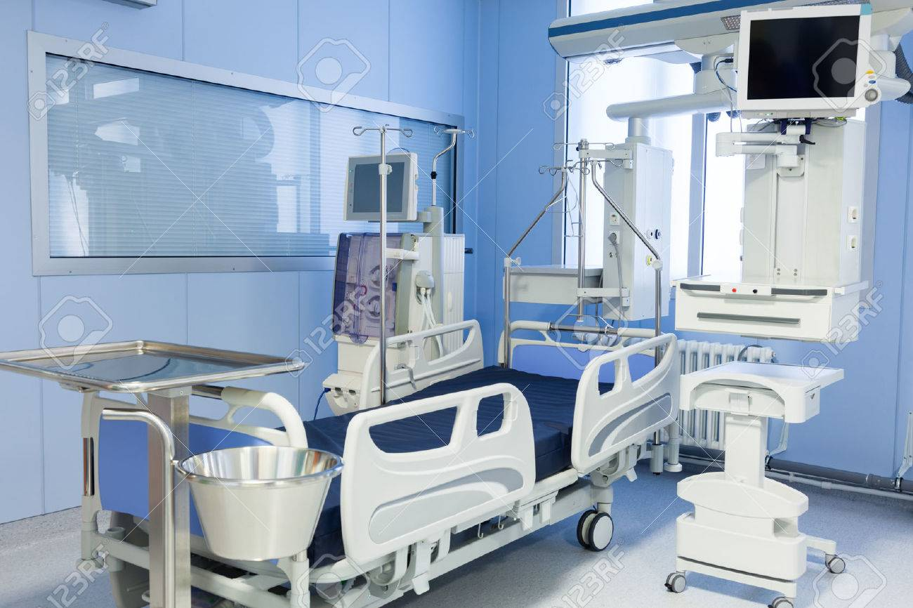 Intensive care unit with dialysis device in clinic. - 56788964