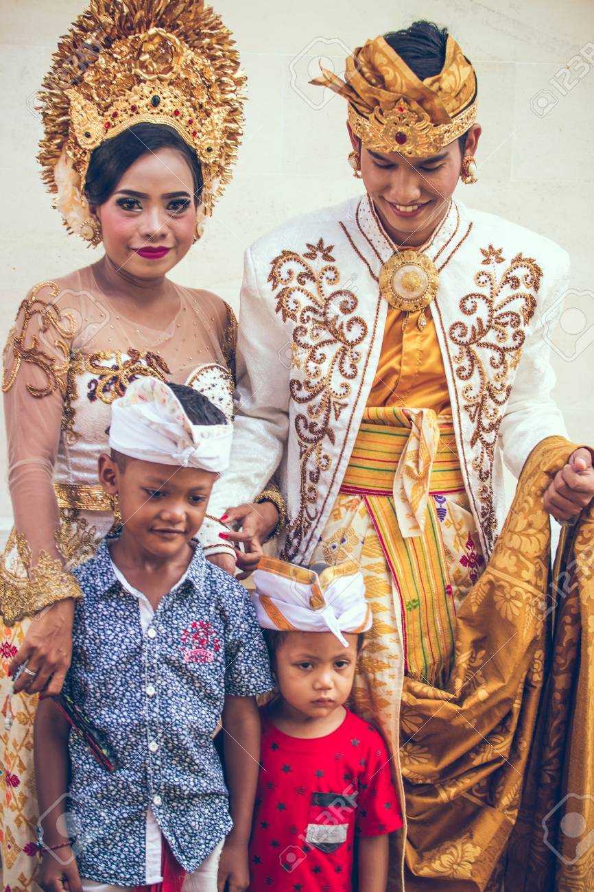 Bali Indonesia April 13 2018 People On Balinese Wedding