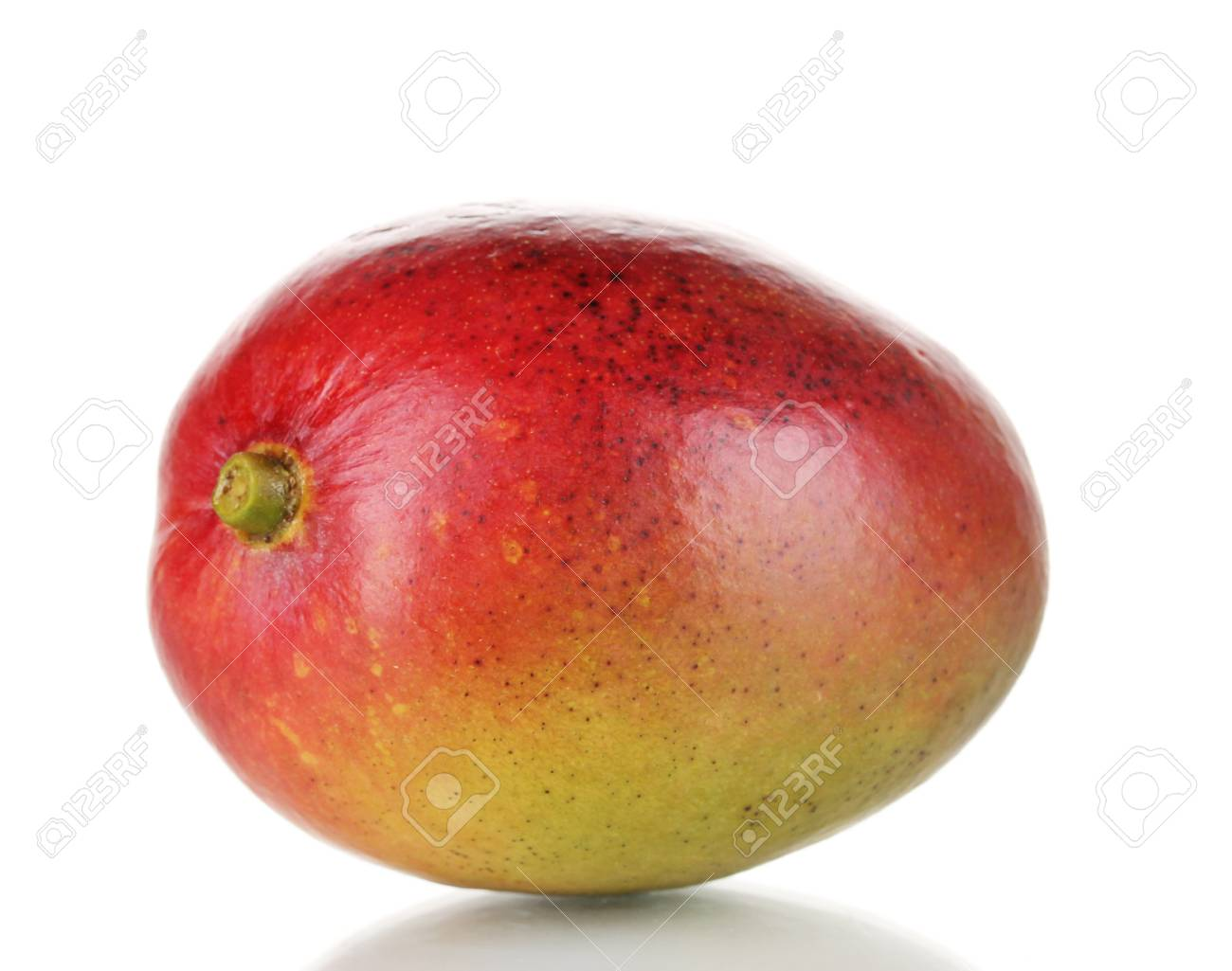 Ripe appetizing mango isolated on white Stock Photo - 15505622